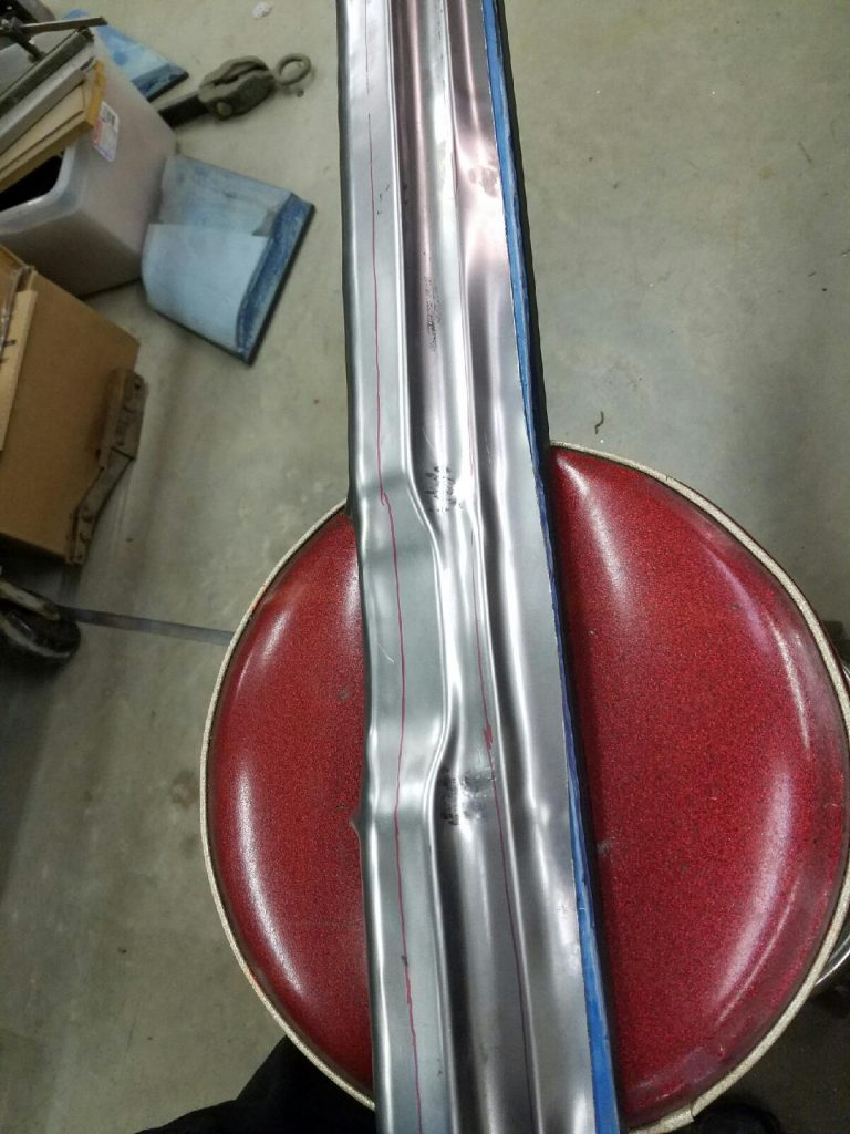 This is the bottom of the tail light panel.