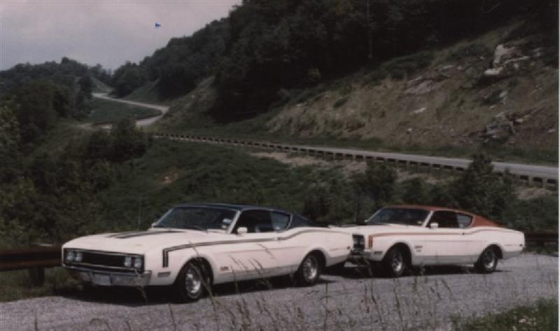 Here is a Cale Spoiler and Dan Spoiler II that belong to Mike on the back roads near his TN home.