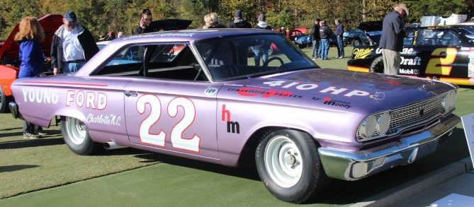 Photo of Lee Holman and Fireball Roberts Race Car