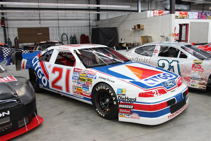 One of my all time favorite drivers on the NASCAR circuit was Neil Bonnett, this is his Wood Brothers' car.